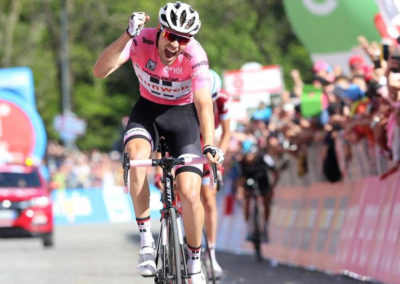 born-tom-doumolin-maglia-rosa-team-sunweb
